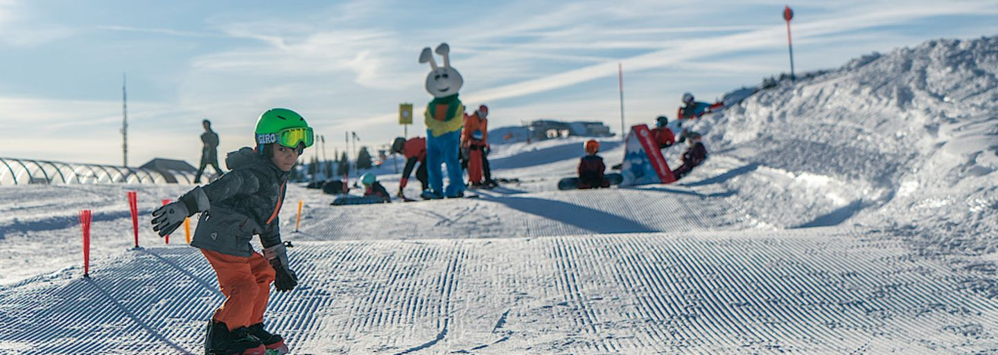 First Snowboard experiences for Kids on the Bolgen