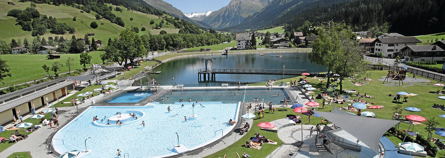 Family Swimming fun in Klosters