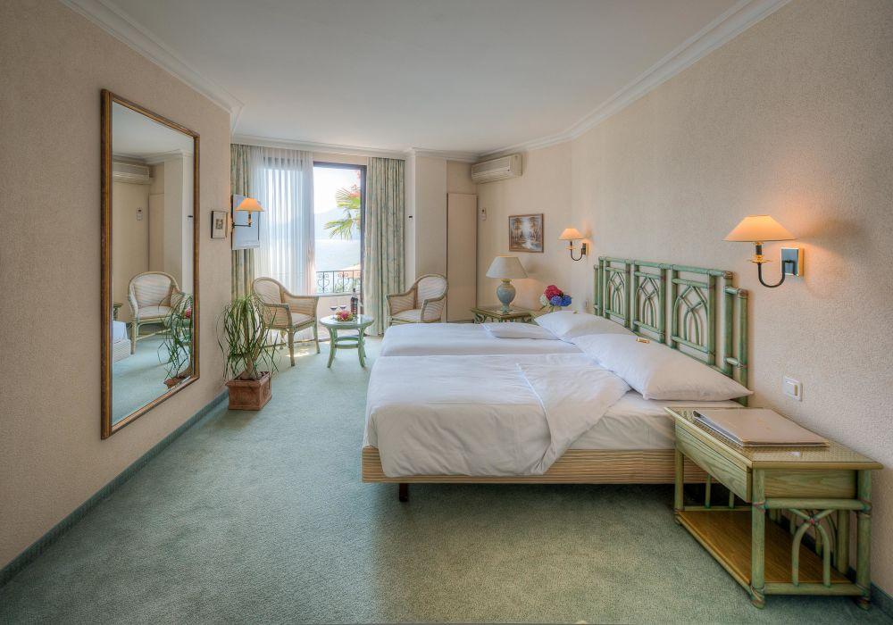 Doppelzimmer Classico mit Seeblick