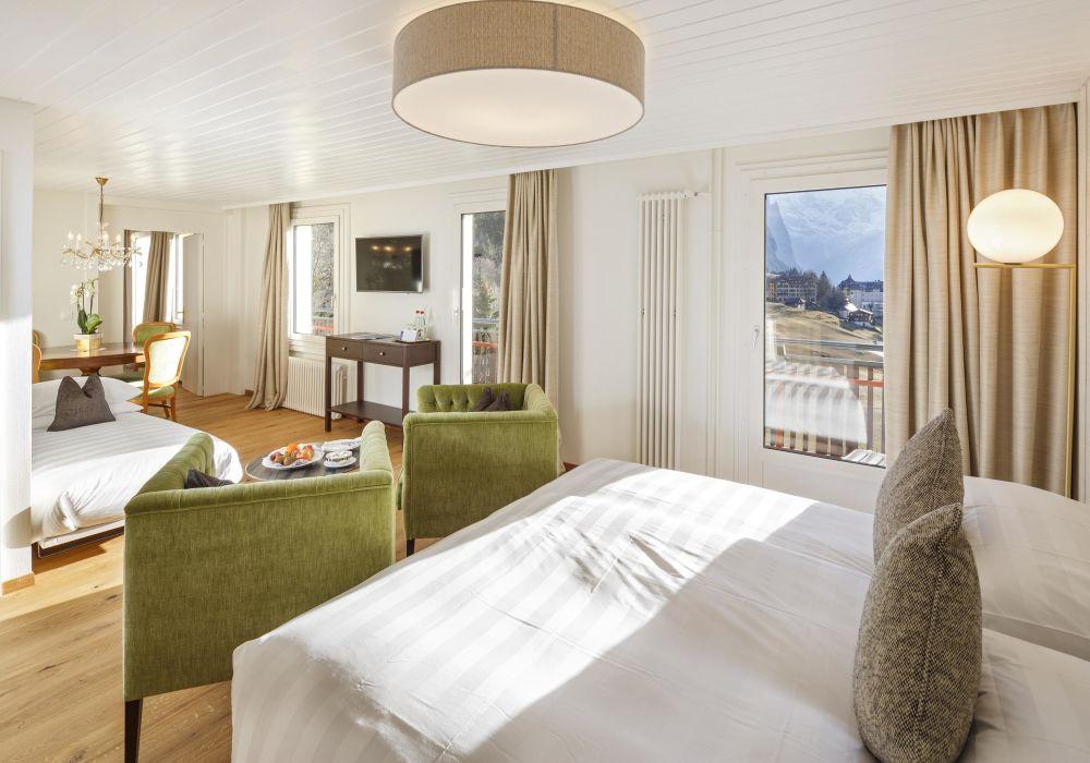 Deluxe Familienzimmer mit Jungfraublick und Balkon (45m2)