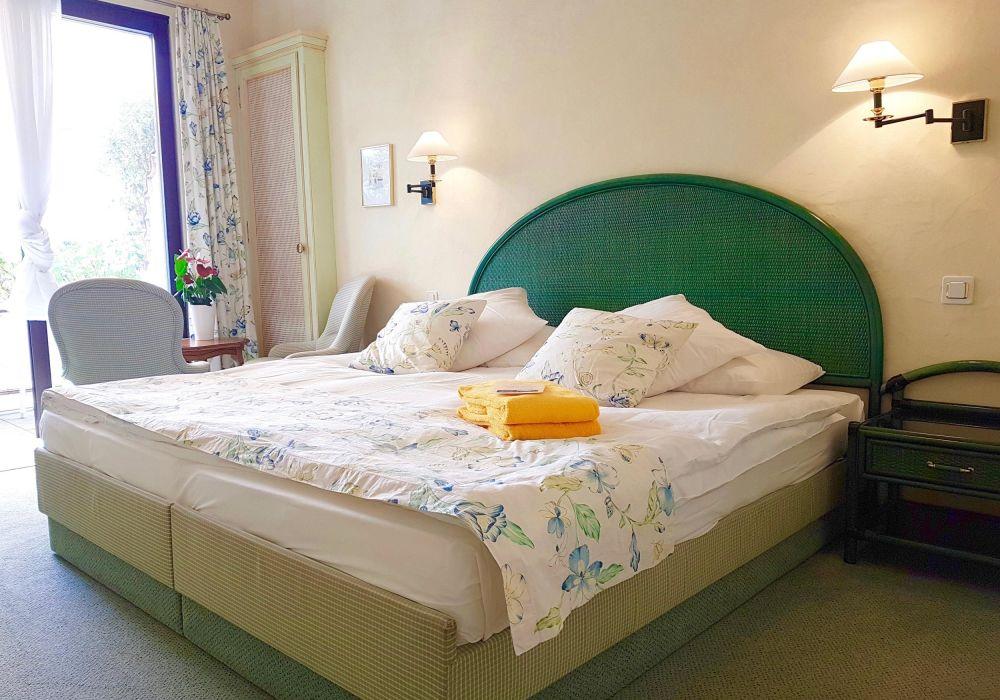 Doppelzimmer Basic mit Seesicht