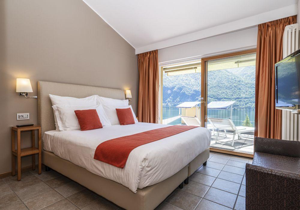 Panorama Suite mit Terrasse und Seesicht UPR