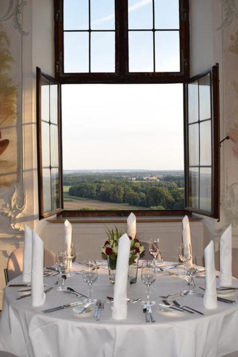 Kultur und Kulinarik mit Konzertkarten im Schloss