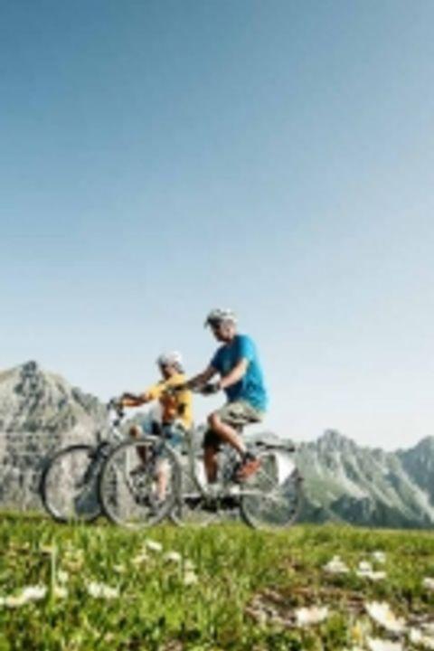 Vélo et détente au Forster's Naurresort
