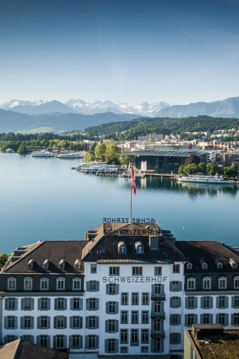 The town, the lake, the mountains - Schweizerhof Luzern