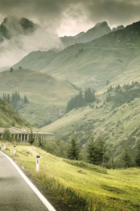 Grand Tour of Switzerland by motorcycle