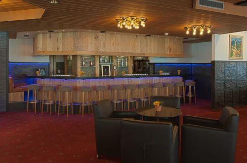 Club Hotel
