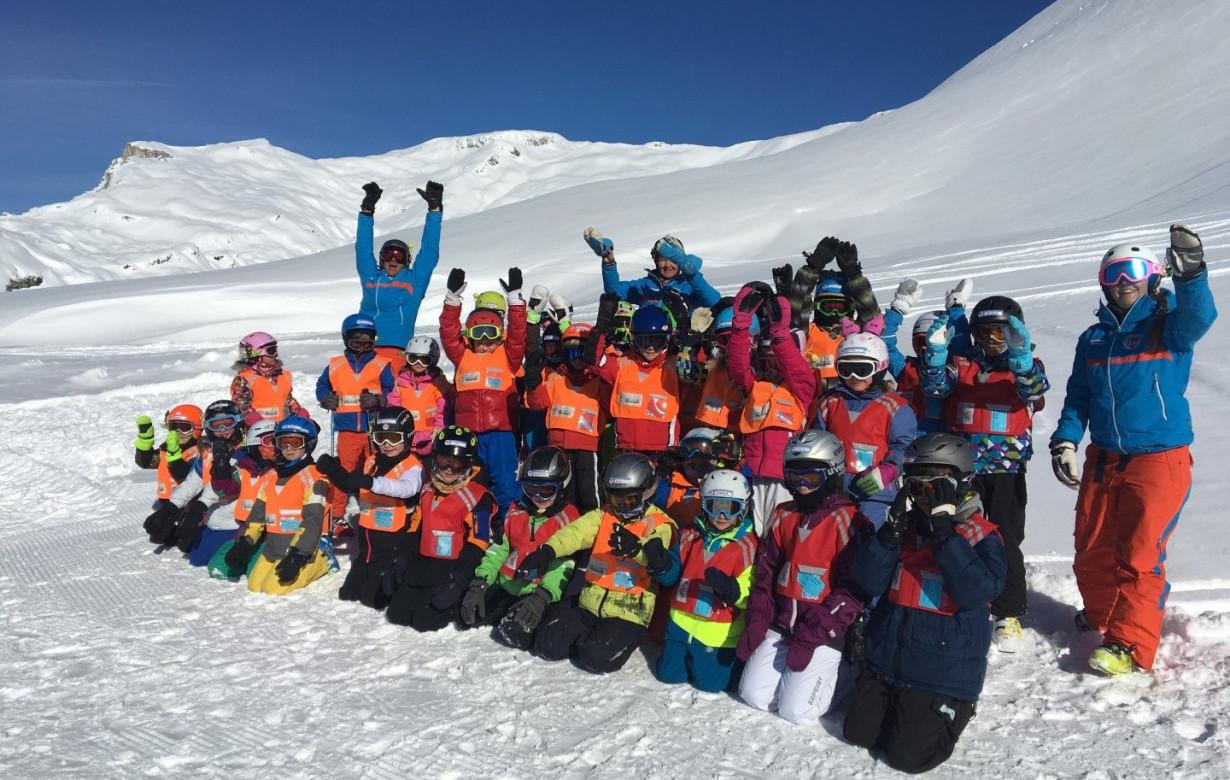 Kinder Ski Ganztags Red League