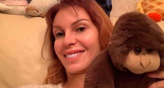 «Вы похожи на б*дло! Это просто все мерзко»: российская певица шокировала сеть пошлым, полуобнаженным фото