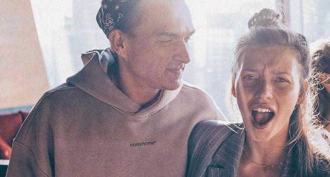 «Глаза краснющие, вместе курите?» Регина Тодоренко поделилась новым фото с мужем и нарвалась на критику