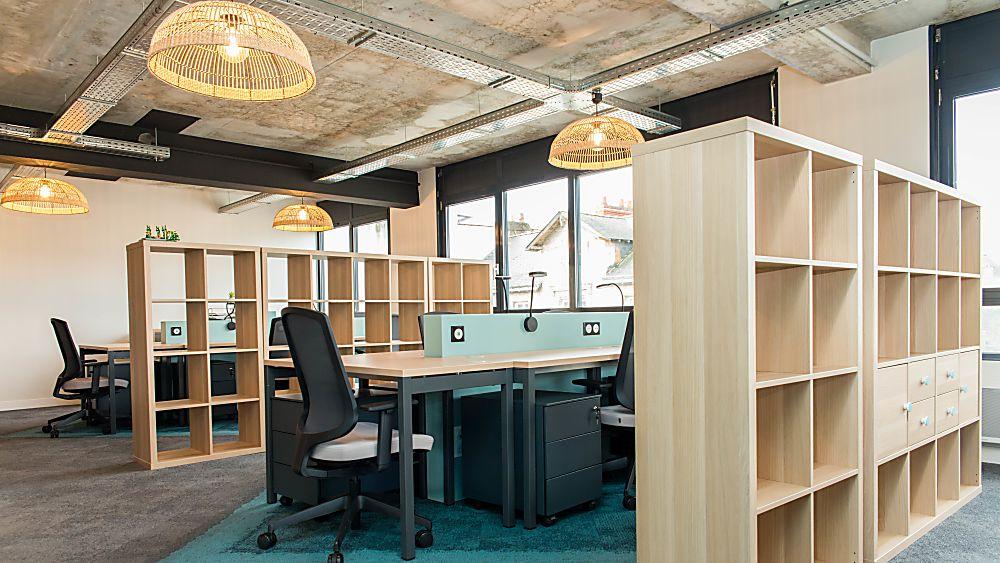 Take A desk bureau a partager bureau ouvert Nantes Thierry Immobilier