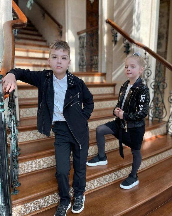 Бывшая домработница Пугачевой: Гарри и Елизавета Галкины растут очень умными детьми