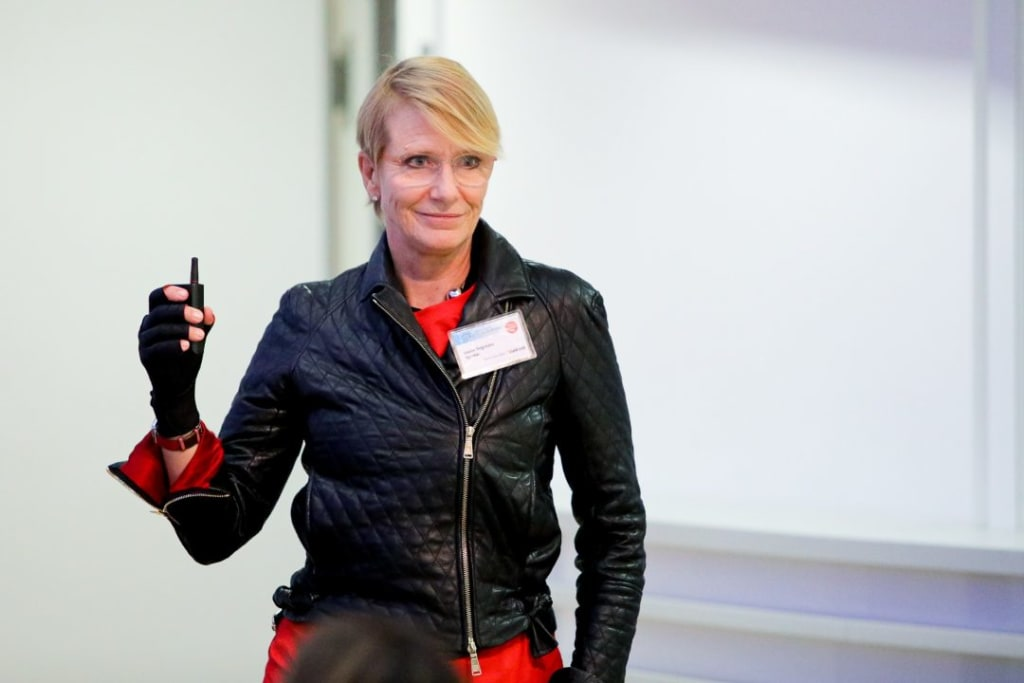 DK Talks at 3 PM: She worked on €200 billion mergers and today in only 30 minutes she's revealing the path to success