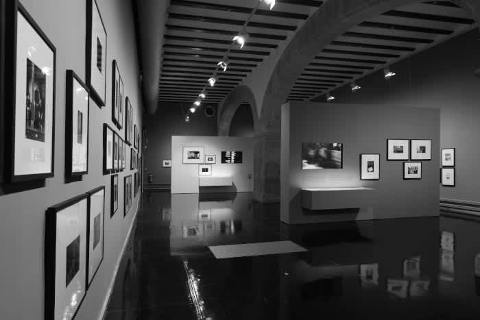 """Photo of an individual exhibition of Gabriel Cualladó's work, entitled  """"People and places"""", La Nau Cultural Center"""