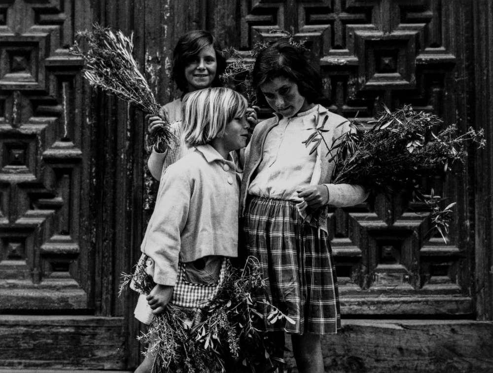 """Photo d'une exposition collective de l'oeuvre de Gabriel Cualladó, intitulée """"The Spanish Vision, Contemporary Art Photography 1970-1990"""""""