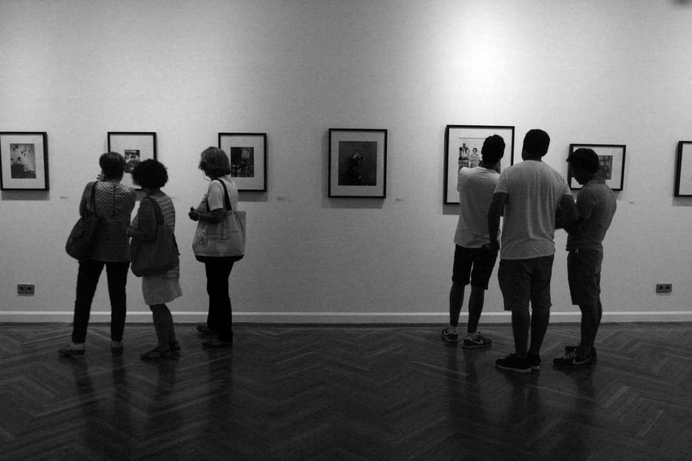 "Photo d'une exposition collective de l'oeuvre de Gabriel Cualladó, intitulée Photoespaña ""La Palangana"", Circulo De Bellas Artes"