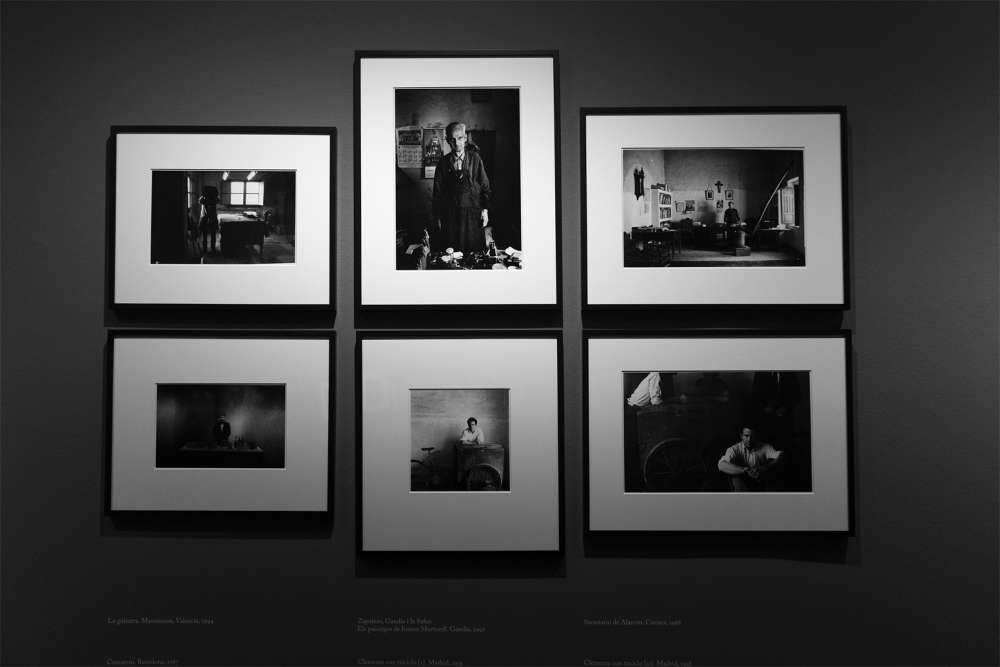 Photo of an individual exhibition of Gabriel Cualladó's work, entitled  Center of Photographic Studies