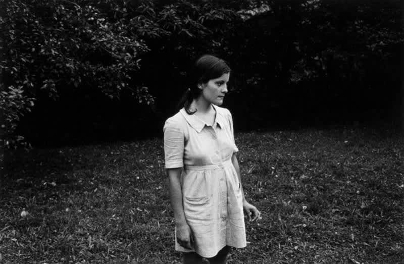 Foto en blanco y negro de Gabriel Cuallado, titulada Marina de perfil (Familia)