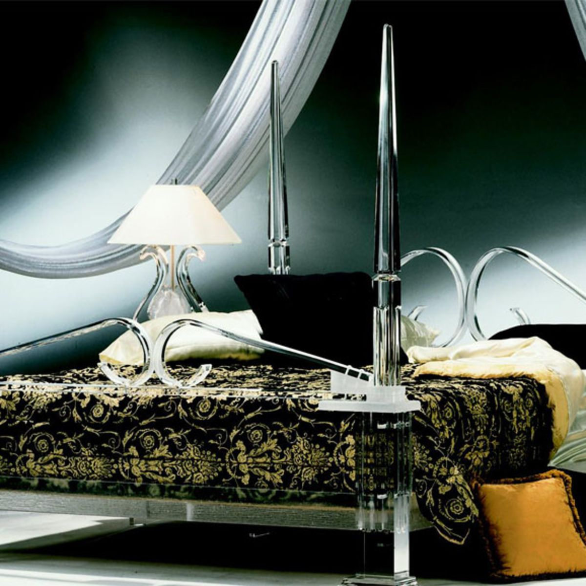 The Sylvania acryl bed looks classy and elegant, but still modern. It's yours for USD 20'000.--