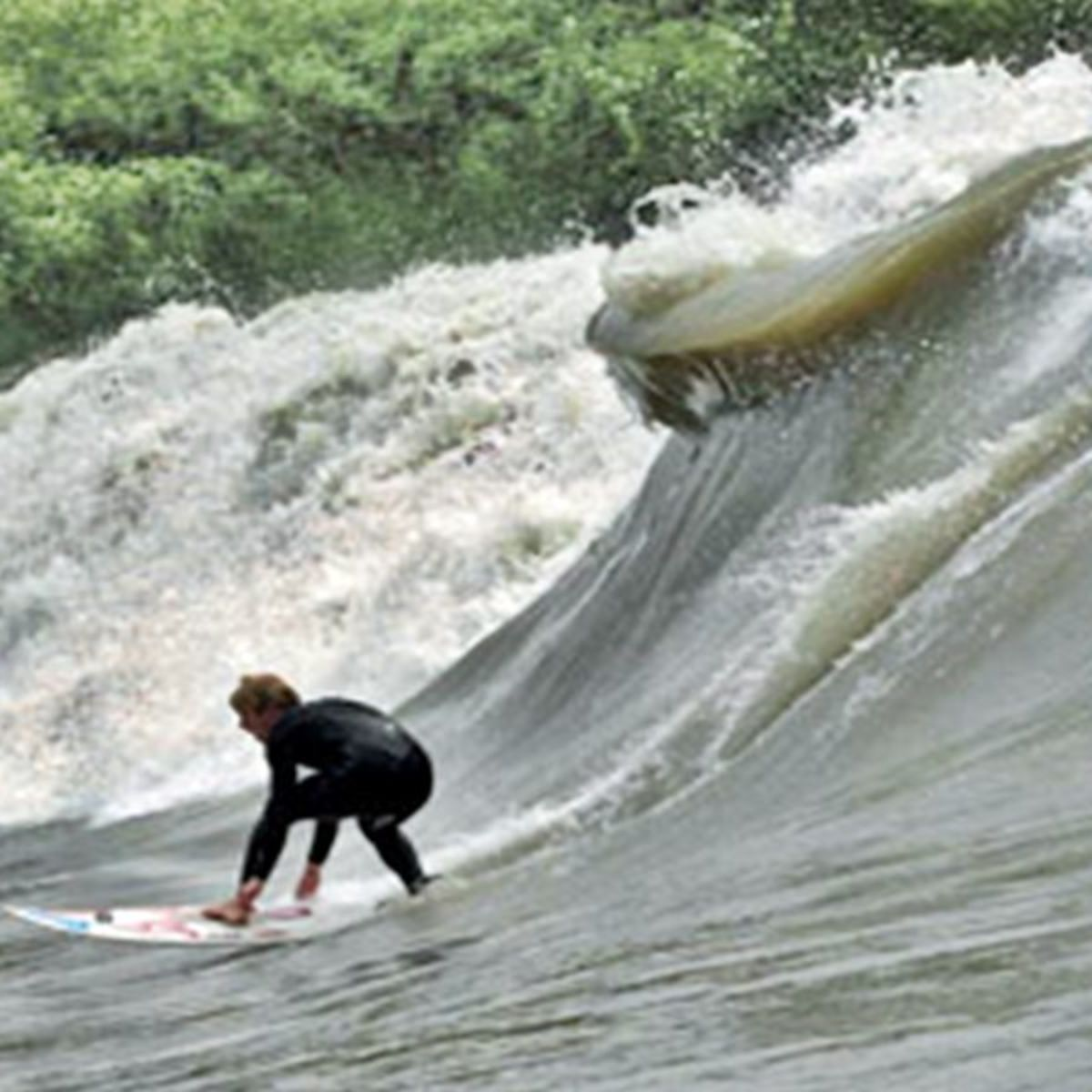 Surfing the brown waves of the Amazonas river: Pororoca