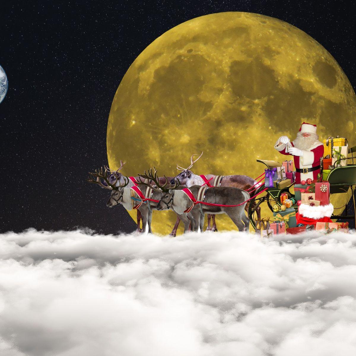 St. Nikolaus an Weihnachten mit Renntieren, Mond, Wolke, Himmel, Nacht
