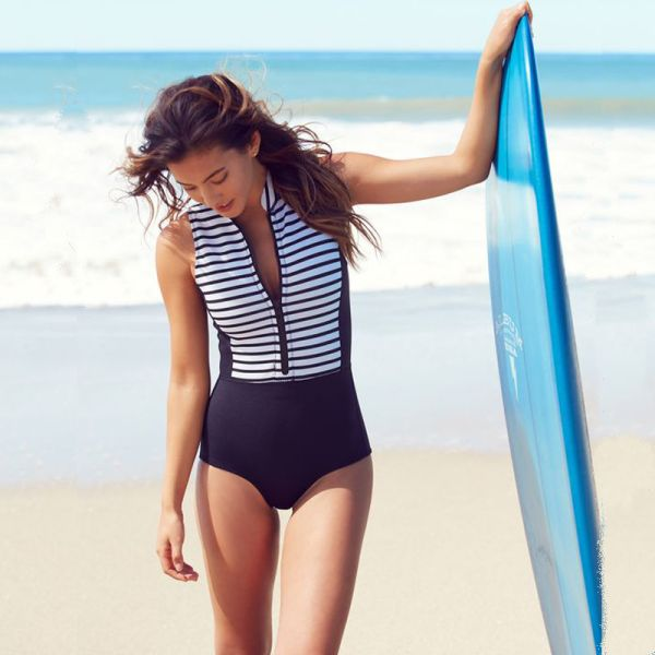 2018 Print Floral One Piece Swimsuit Long Sleeve Swimwear Women Bathing Suit Retro Swimsuit Vintage One-piece Surfing Swim Suits Image 9