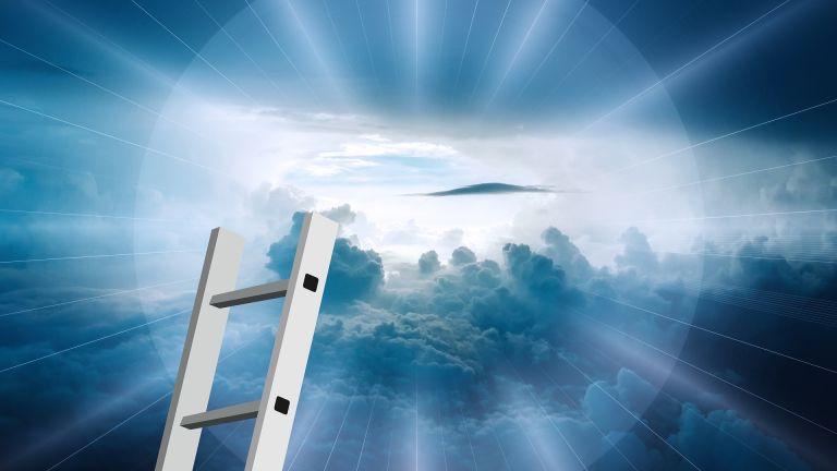 Leiter zu Gott im Himmel mit Wolken