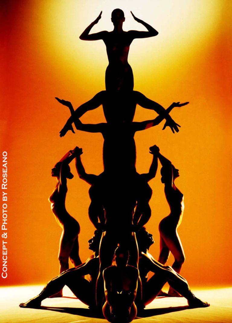 Body pyramid, Human Totem, by Roberto Roseano