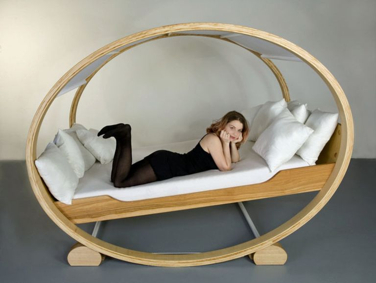 Manuel Kloker: Furniture art - rocking design bed