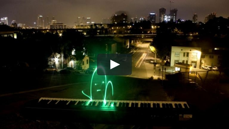 Ryan Cashman's installation plays piano with light