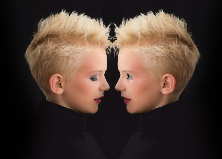 Twins, love oneself