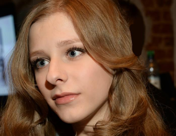 «Вот вам и «папина дочка»! Хороша»: Лиза Арзамасова похвасталась отменной фигурой в элегантном купальнике