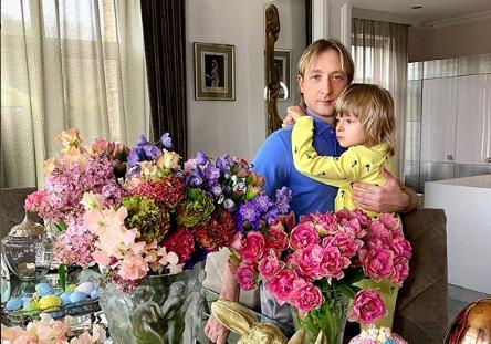 Евгений Плющенко намерен подать в суд на «стервятников журналистики», написавших статью о болезни сына