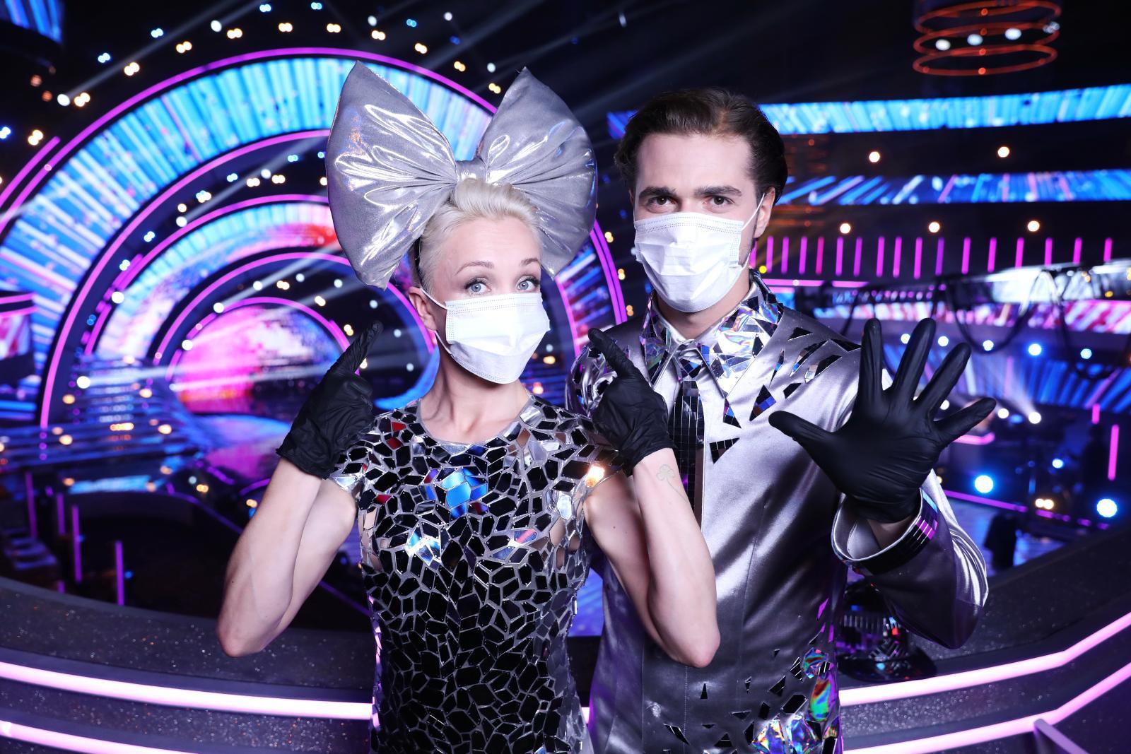 Участники шоу «Танцы со звездами» взлетают все выше!