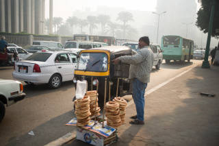 Food vendor at roadside, Cairo