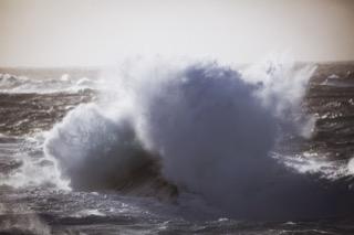 Crashing wave, Ness of Burgi