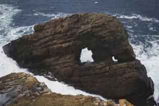Natural arch, No Ness