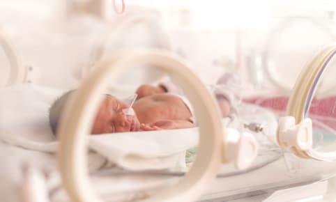 Naissance prématurée : il est né trop tôt