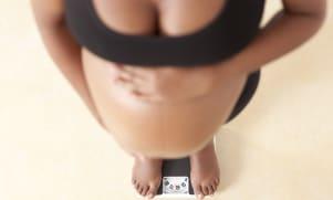 Overgewicht voor en tijdens de zwangerschap kan schadelijk zijn voor de baby