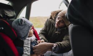 Sécurité de Bébé en voiture : l'essentiel pour voyager sans stress