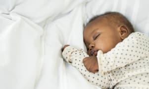 Développement de Bébé : il a 3 mois