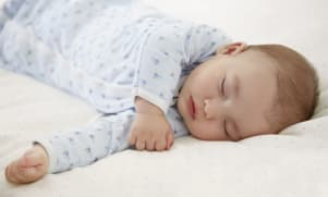 Habiller et déshabiller bébé en un tour de main
