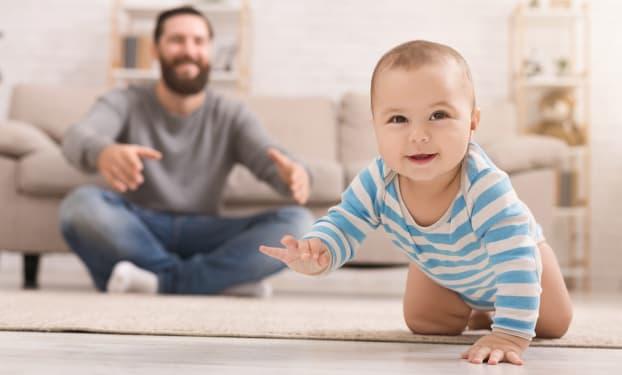 Développement de Bébé : il a 8 mois