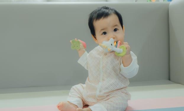Développement de Bébé : il a 11 mois