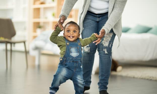 Développement de Bébé : il a 12 mois