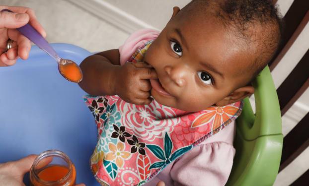 Evenwichtige voeding voor baby's van 8 maanden