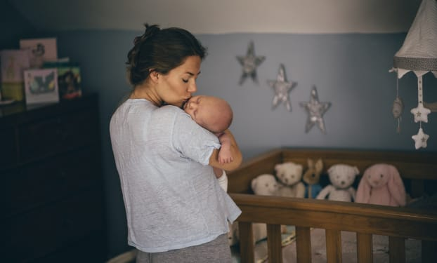 Hoe zorg je dat je baby en de babykamer niet té warm worden?
