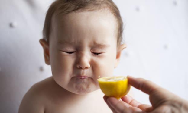 Nieuwe texturen en smaken: als baby overschakelt op het lepeltje