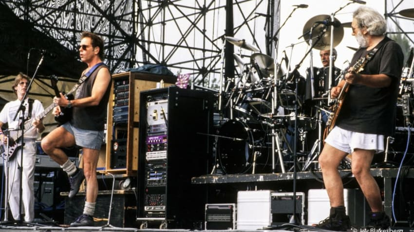 Grateful Dead Performs With Bruce Hornsby For Final Time On This Date In 1995
