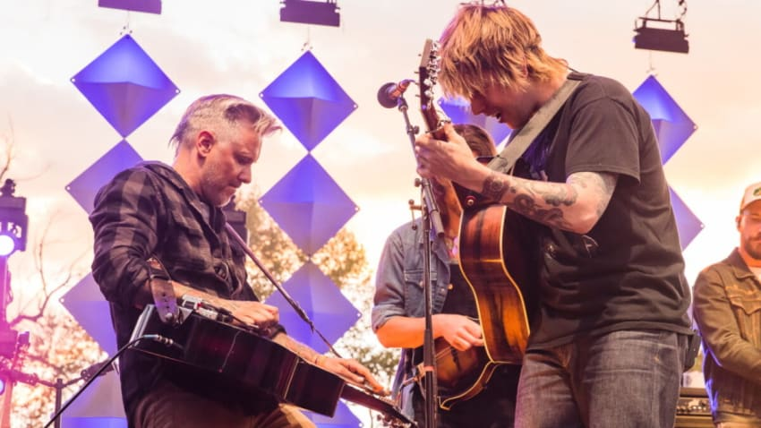 Billy Strings Plays Surprise Set, Debuts New Song & Welcomes Tyler Grant In Colorado